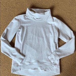 Lululemon turtle neck pull over